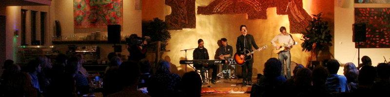 Banner Veranstaltungen: Foto von Bandauftritt am Benefizabend 2011