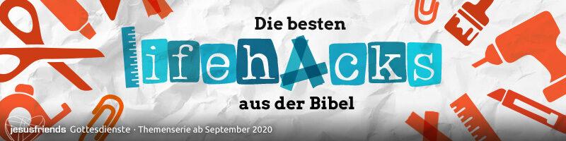 """Banner Themenserie """"Die besten Lifehacks aus der Bibel"""": Collage aus Bastel- und Handwerkerutensilien in Stempeloptik auf zerknittertem Papier"""